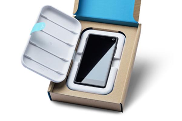 fairphone high-end bio-based packaging no plastic Fairphone PaperFoam sustainable packaging